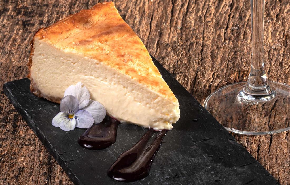 原産地呼称ゲタリアのスパークリングチャコリーと イディアサバルチーズのケーキ